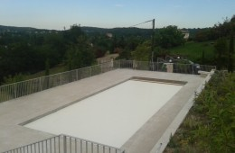 Swimming pool safety fencing in Chateauneuf de Grasse
