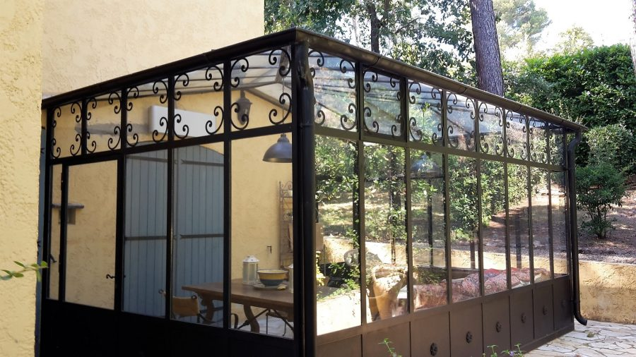 Traditional veranda / winter patio and glass canopy in Mougins