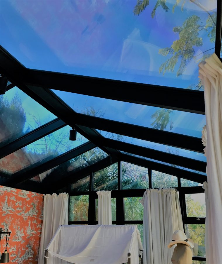 Glass house tinted roof