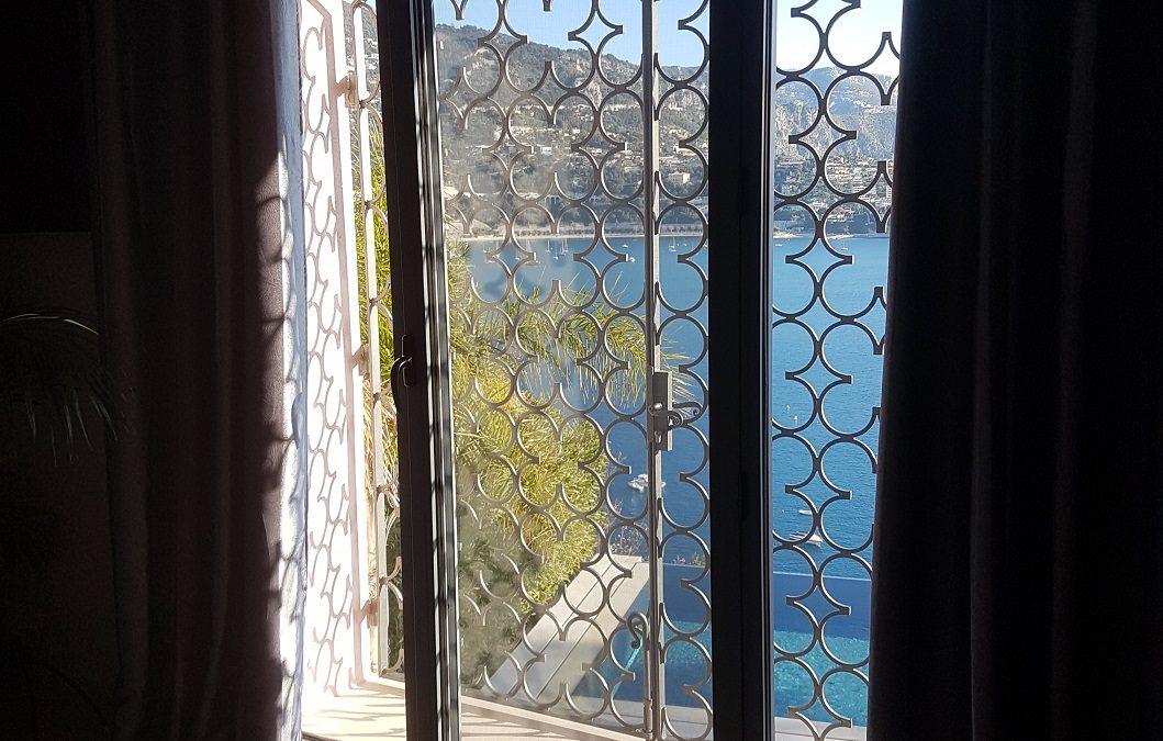 Garde-corps, cloture de sécurité et grilles de défense à volutes à Nice
